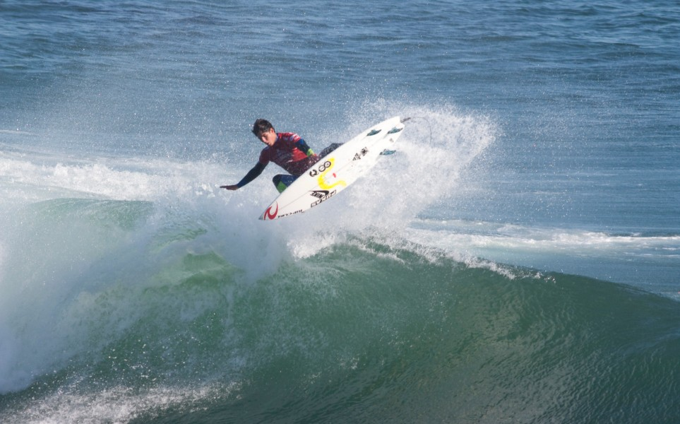 Conheça quem são os surfistas profissionais mais famosos da atualidade!